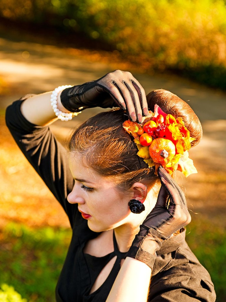 RetroCat mit Haarschmuck von SophisticatedFlowers