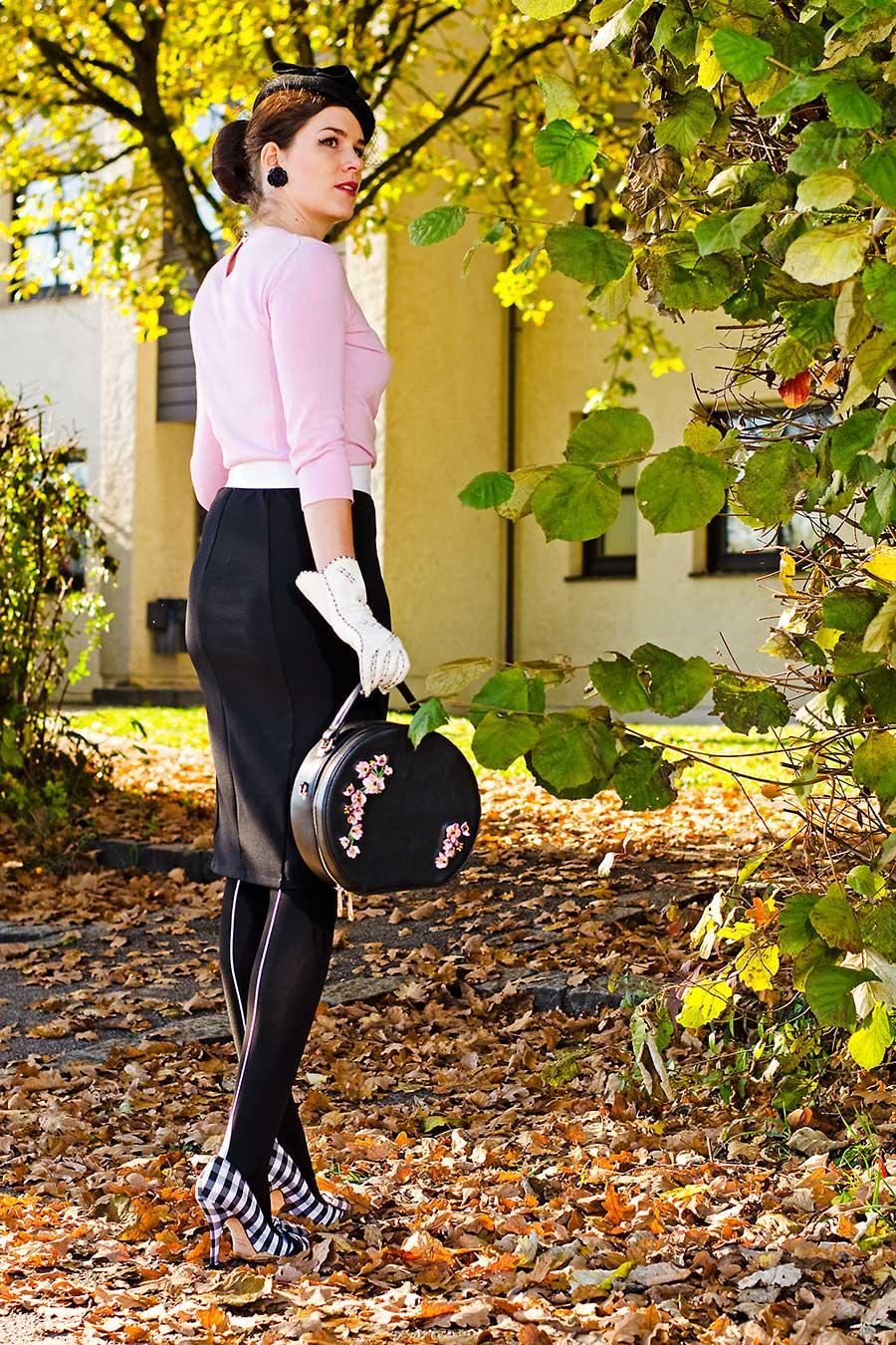 RetroCat mit Schuhen von Lena Hoschek