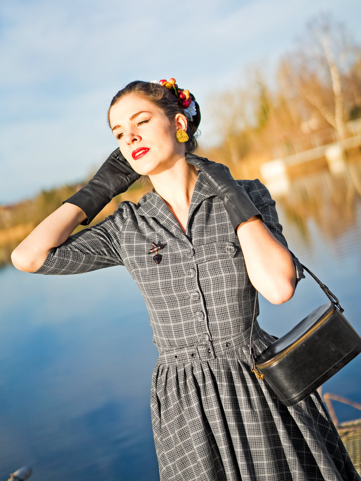 RetroCat im Idda-van-Munster-Kleid von Miss Candyfloss