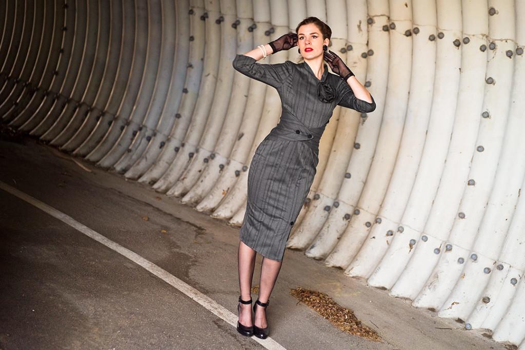 RetroCat in einem Wiggle Dress von Miss Candyfloss