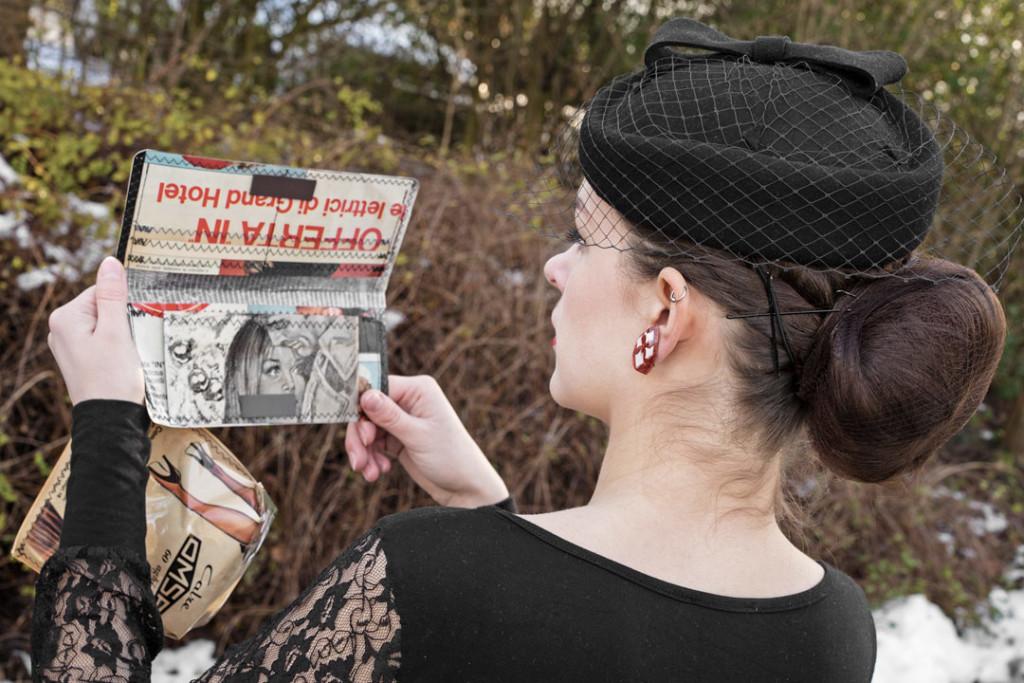 RetroCat mit exklusivem Portemonnaie und schwarzem Hut