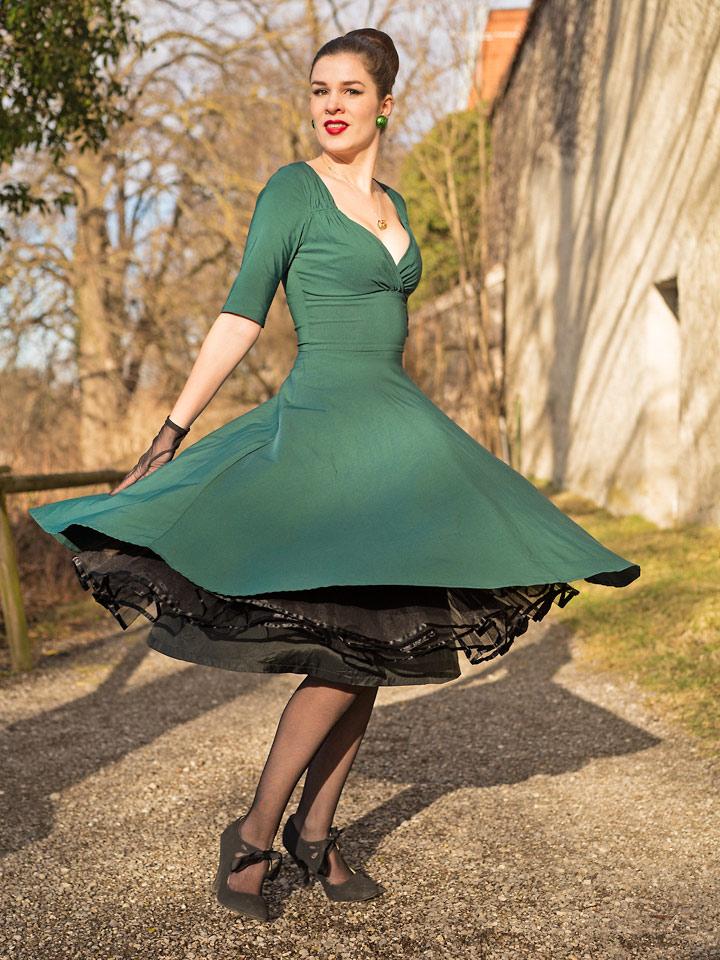 RetroCat mit Swing-Kleid und Petticoat