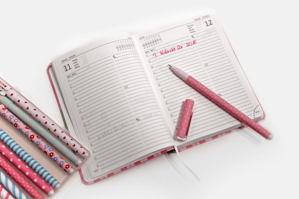 Ein niedlicher Taschenkalender für 2016 in der Innenansicht