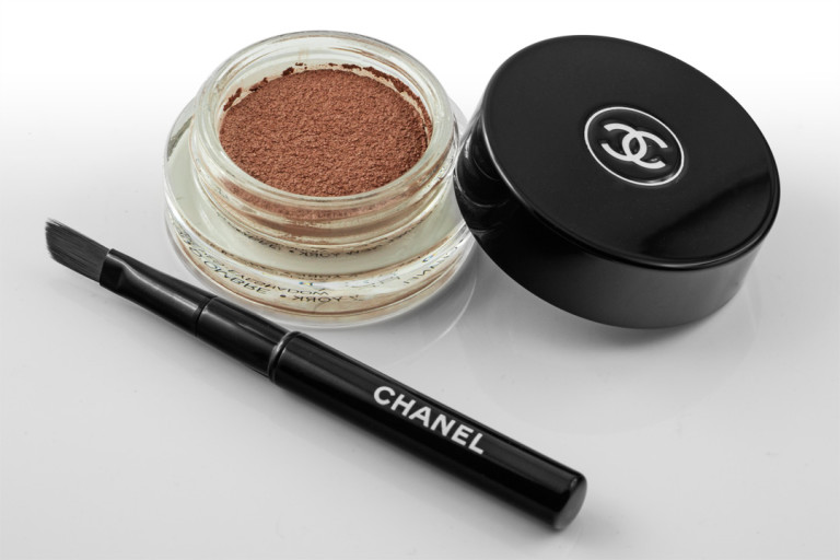 "Der Lidschatten Illusion D'Ombre in ""Moonlight Pink"" von Chanel"