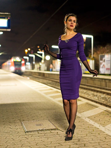 RetroCat im Tempest-Kleid von Collectif Clothing