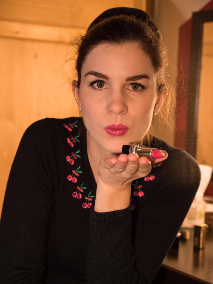 """RetroCat mit """"Vogue"""" von Rouge Dior"""