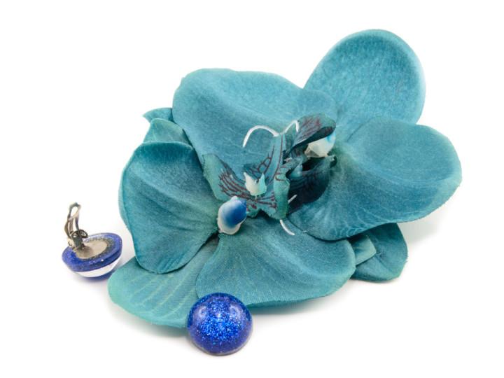 Eine blaue Orchidee fürs Haar von Sophisticated Lady