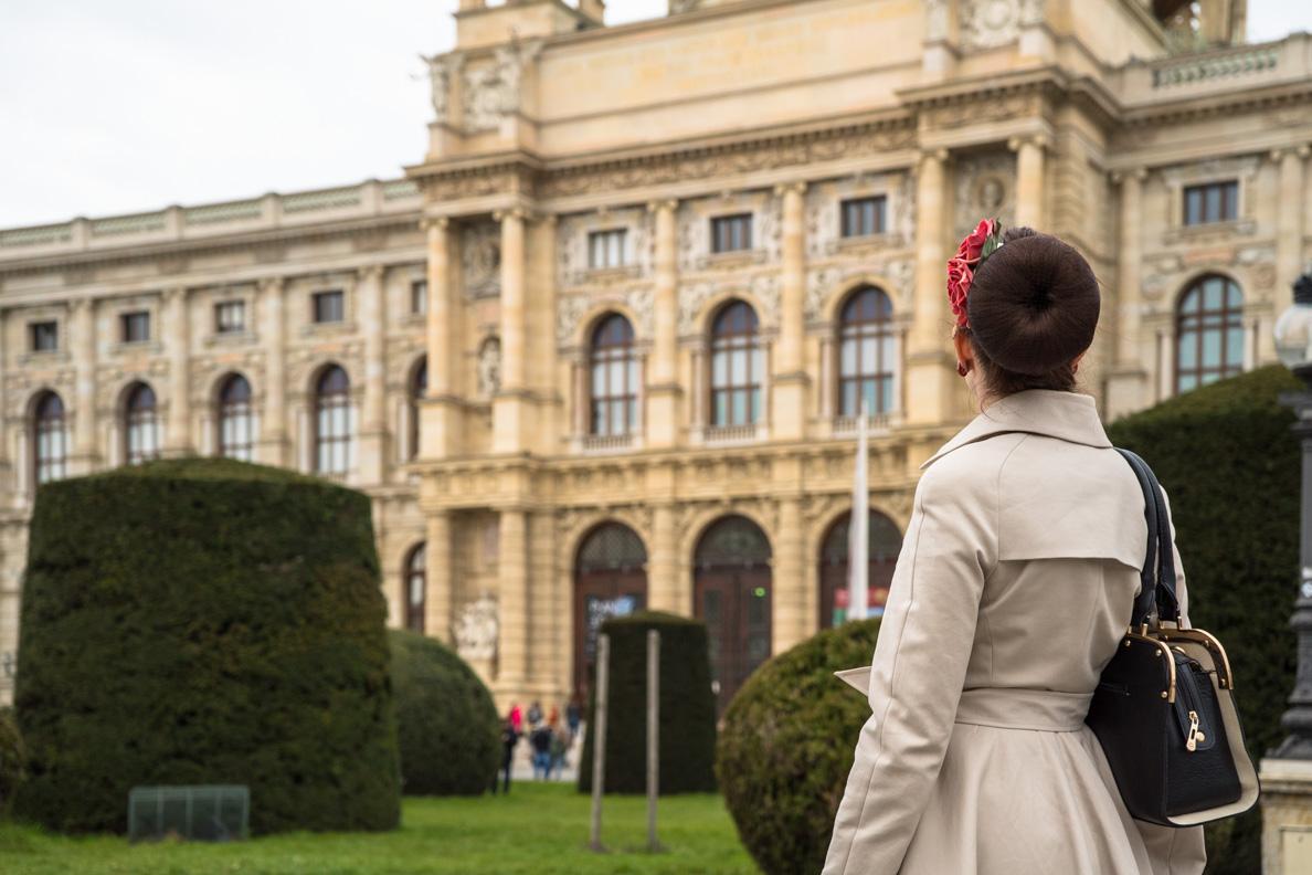 RetroCat vor dem Naturhistorischen Museum in Wien