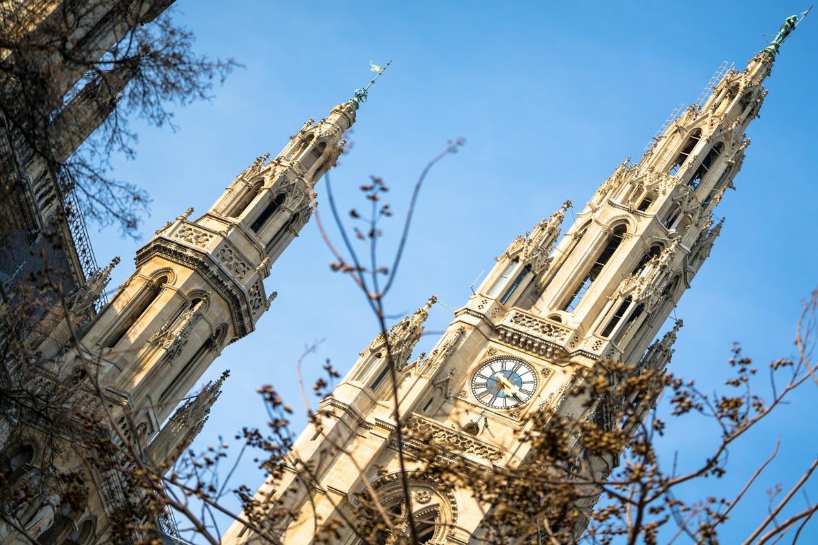 Der Turm des Rathauses in Wien