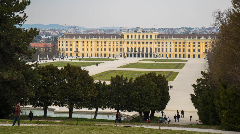 Schloss Schönbrunn in der seitlichen Ansicht
