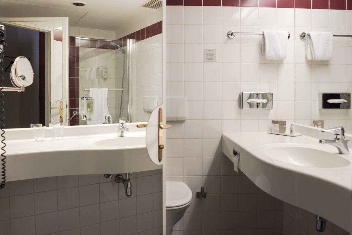 Das Bad des Arcotel Wimberger