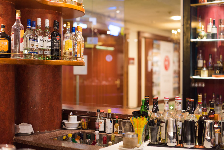 Die Bar des Arcotel Wimberger