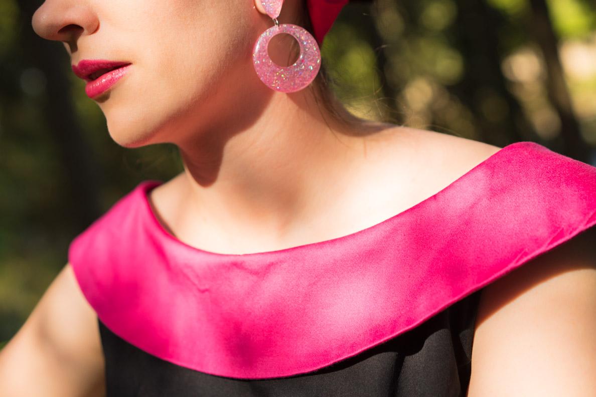 RetroCat mit pinken Ohrclips von Glitter Paradise