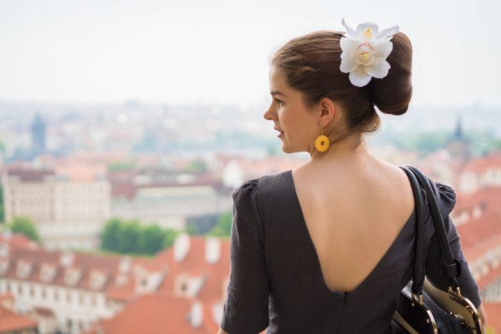 A Sightseeing Tour through Prague in a grey Retro Dress by Von 50′