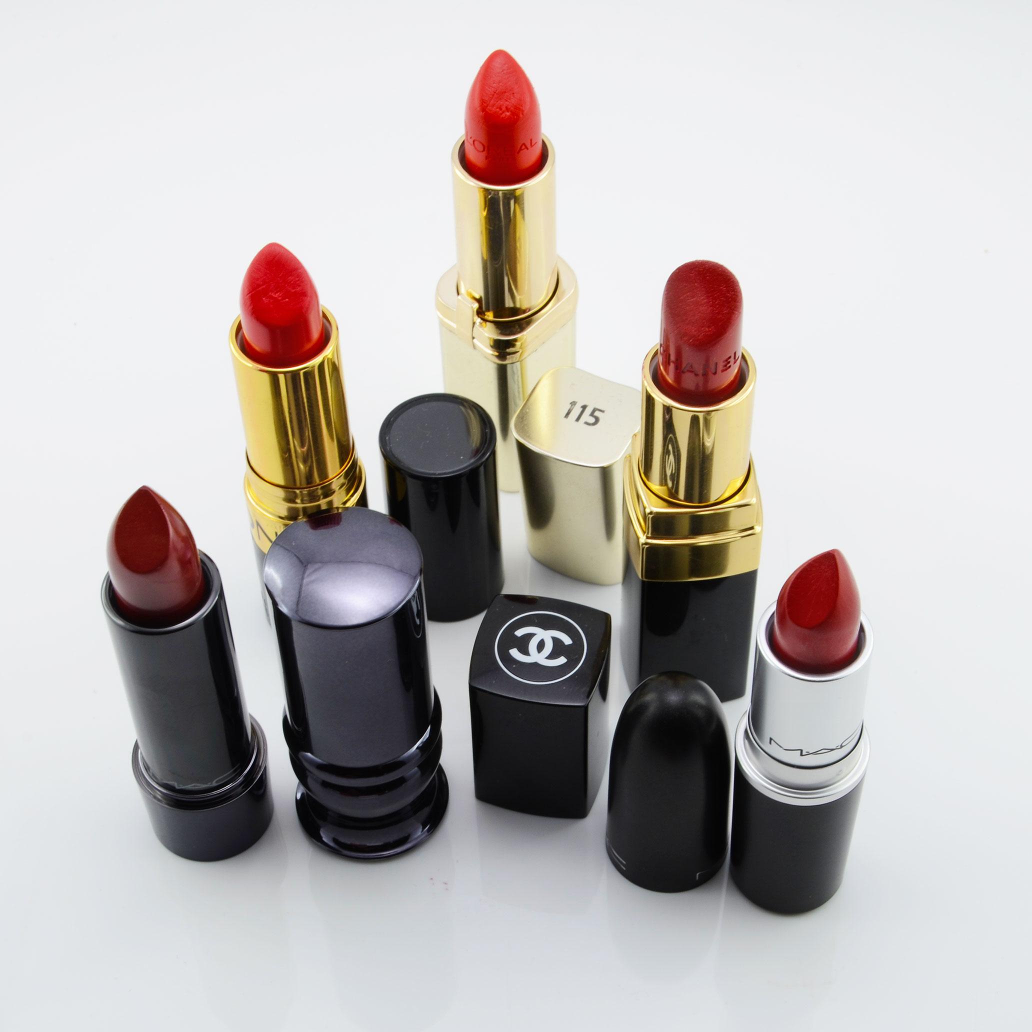 RetroCats rote Lippenstifte von Chanel, Mac und Revlon