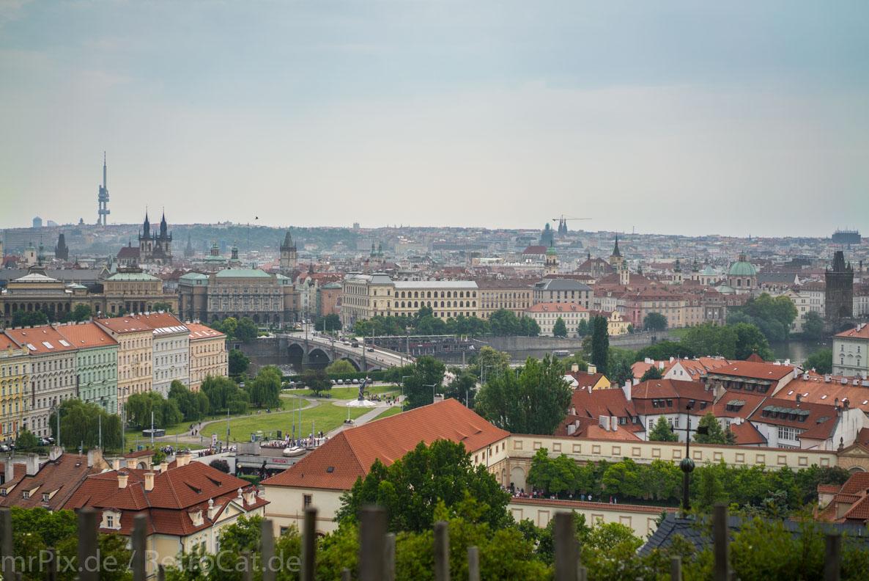 Der Ausblick von den Terrassen der Prager Burg