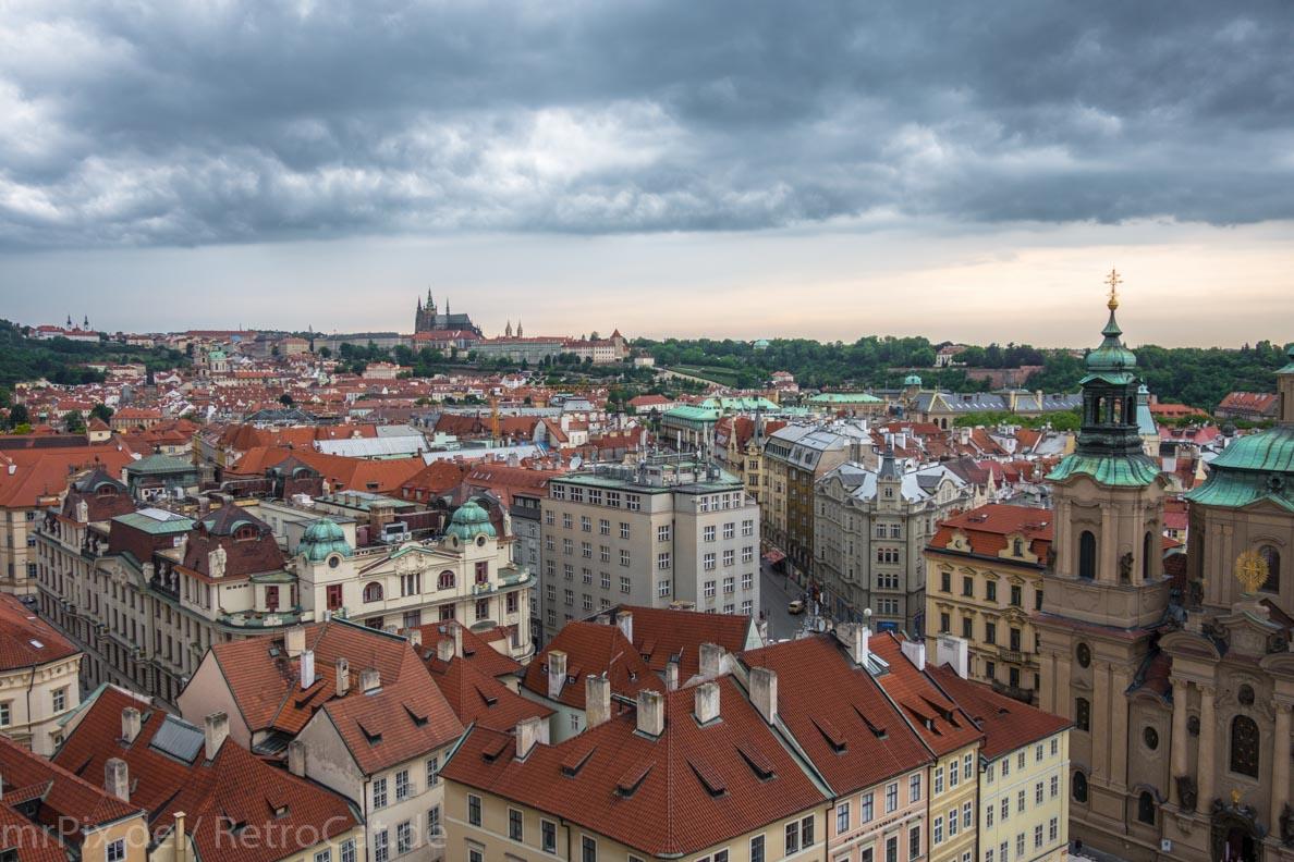 Ein Blick vom Rathausturm über Prag