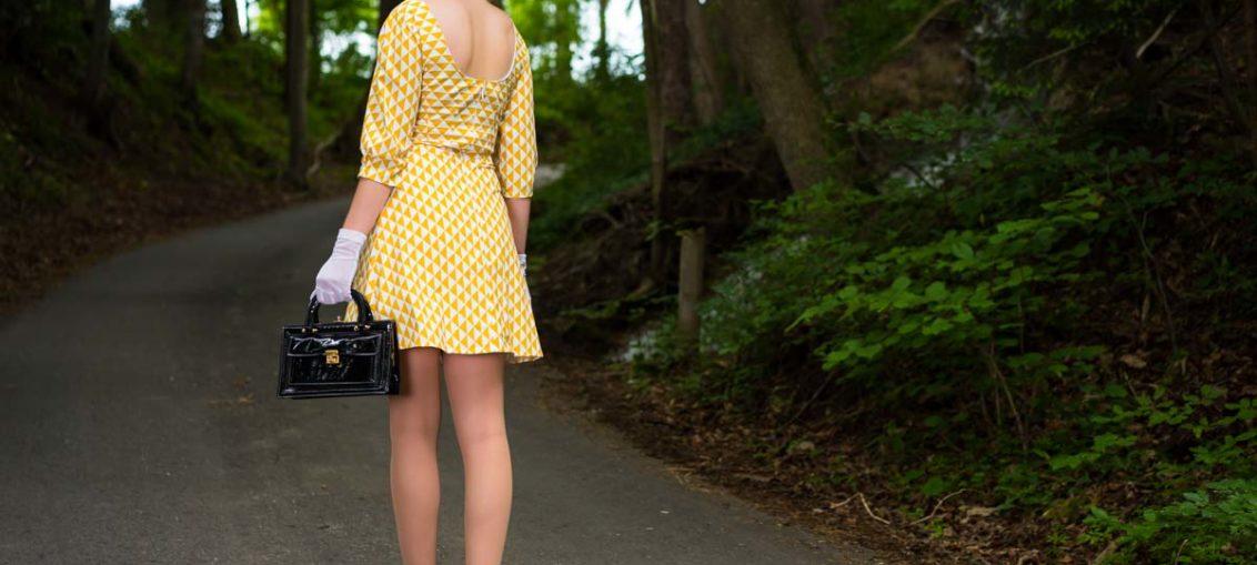 RetroCat in einem Kleid von Grünten Mode