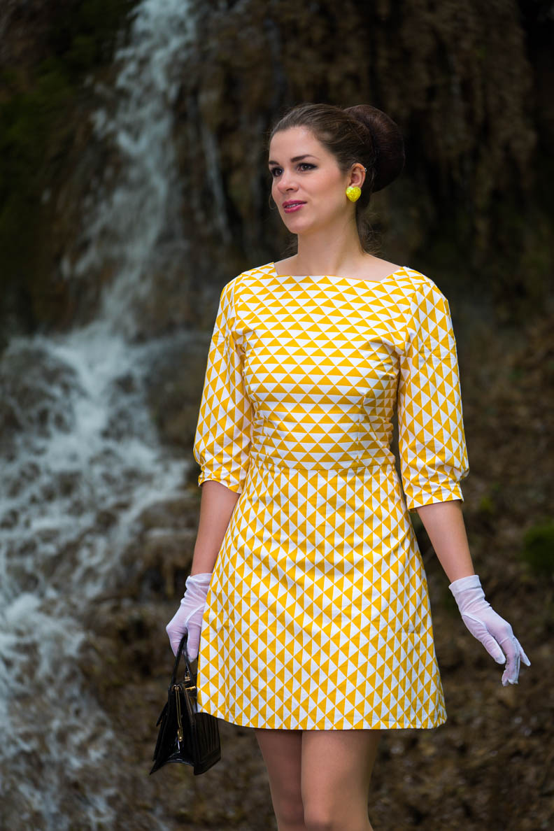 RetroCat im Sunshine-Girl-Kleid von Grünten Mode