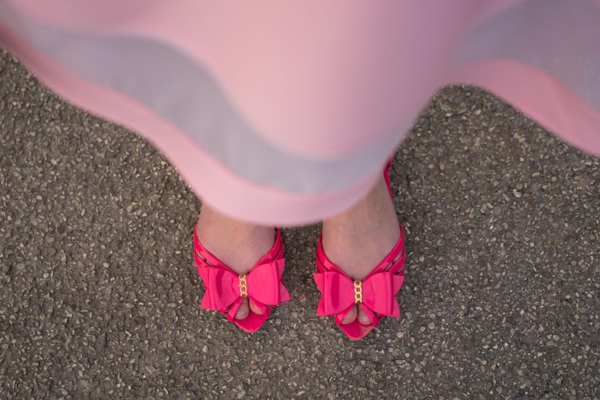 RetroCat mit flachen pinken Sandalen von Petite Jolie