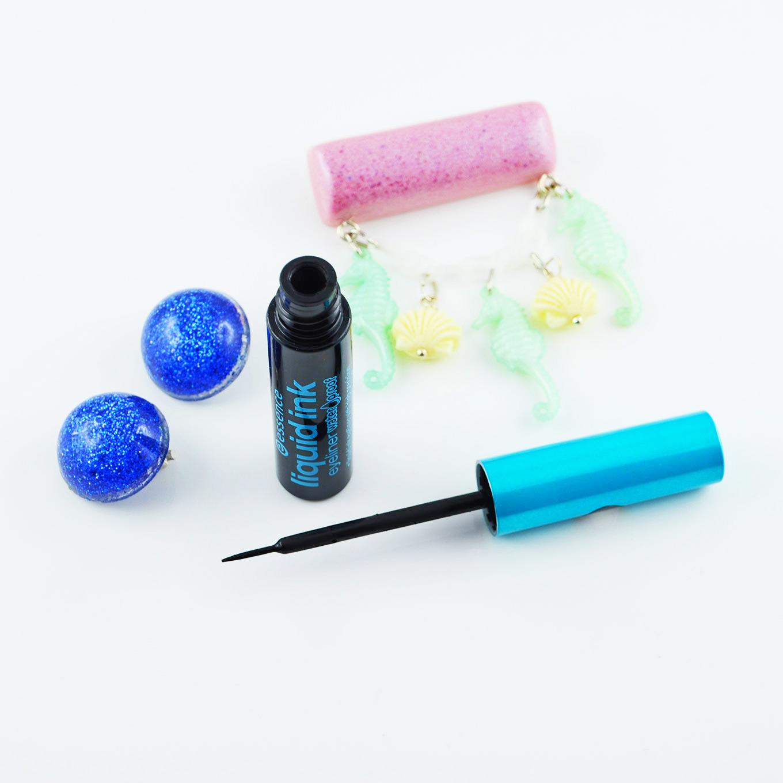 Der wasserfeste Liquid Ink Eyeliner von Essence für eine perfekten Lidstrich