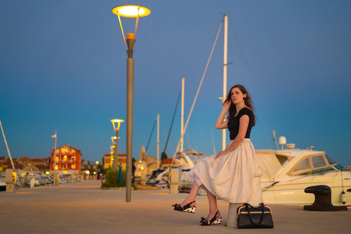 RetroCat in einem eleganten Retro-Look im Jachthafen in Kroatien