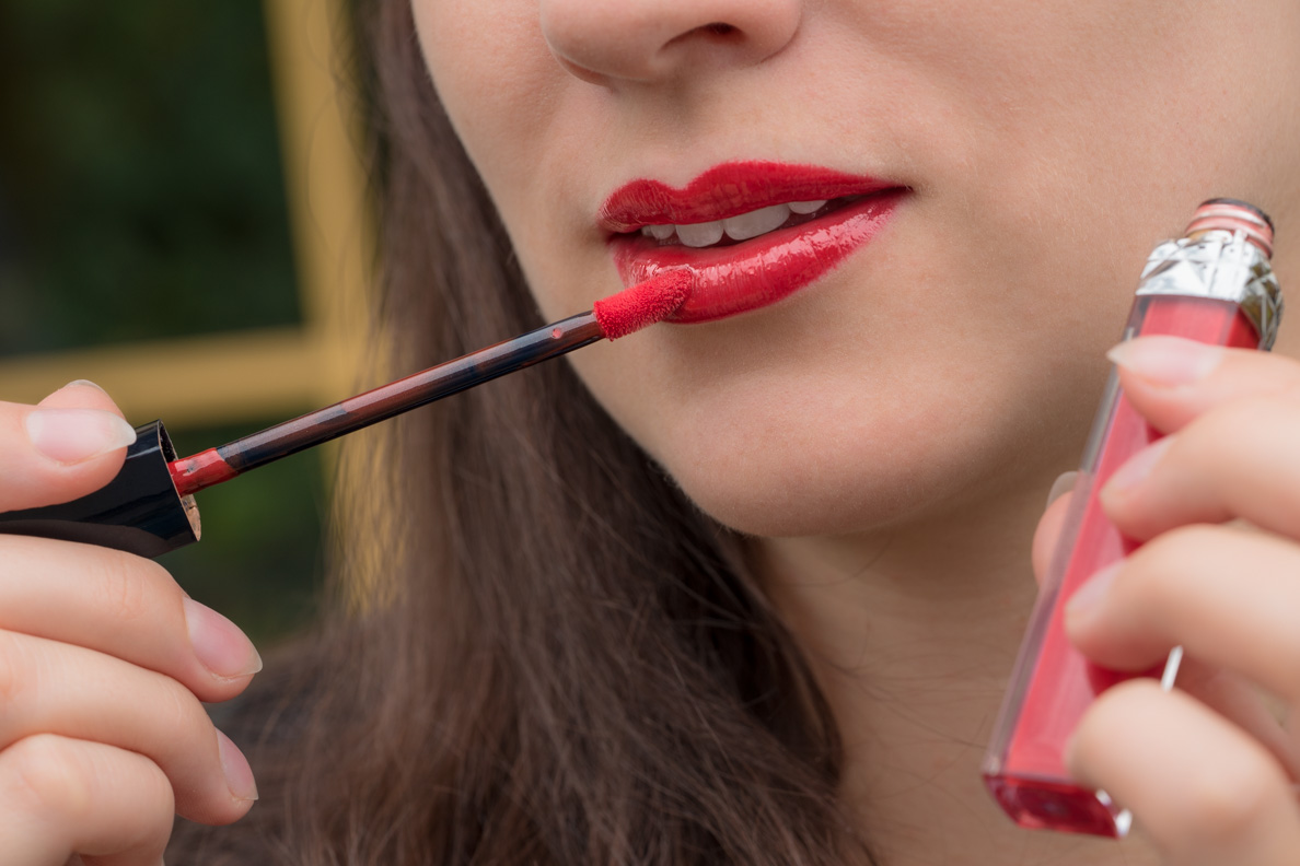 RetroCat mit dem Rouge Dior Brillant Gloss Nr. 999