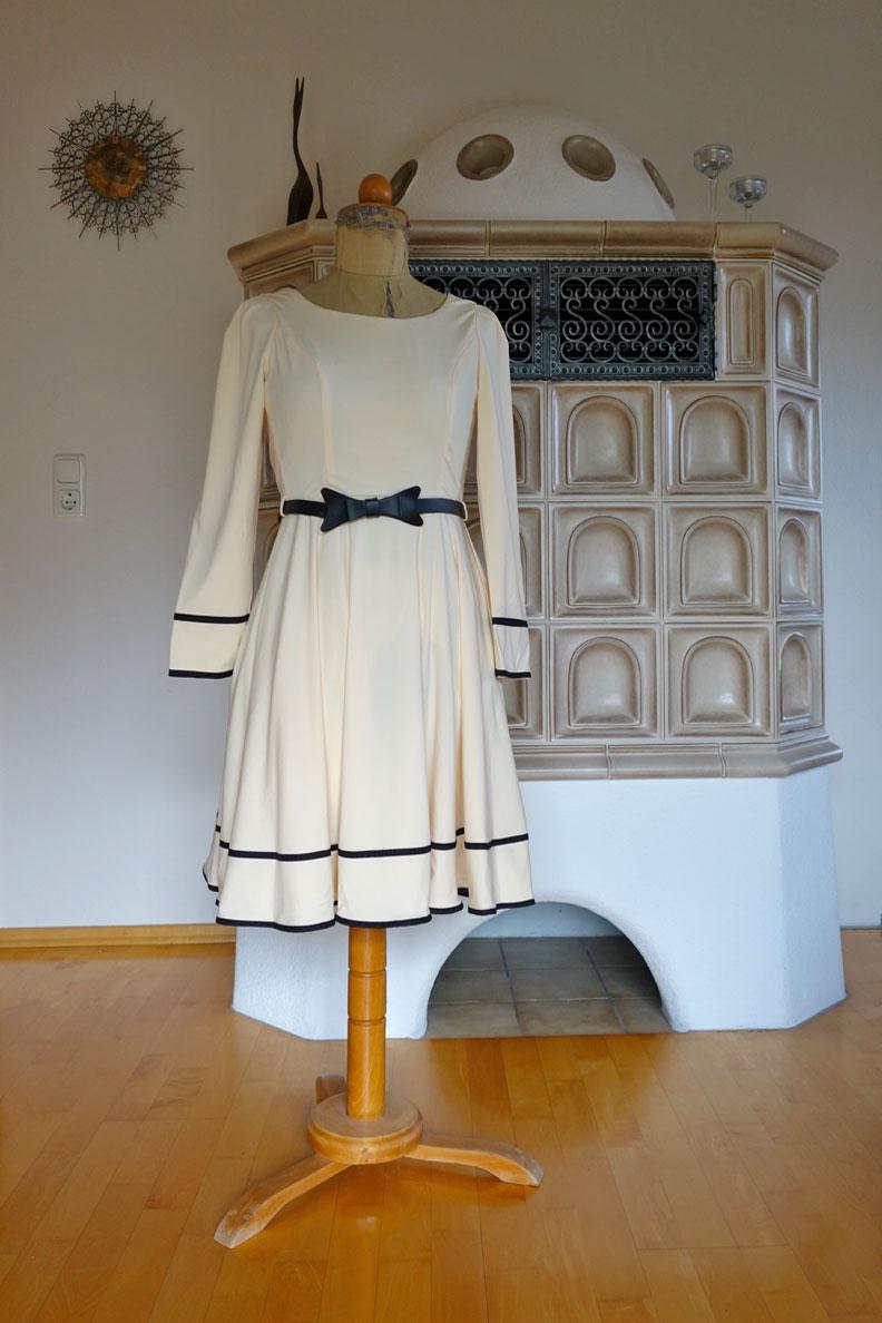 """Das Kleid """"Grace"""" von BlackButterfly"""