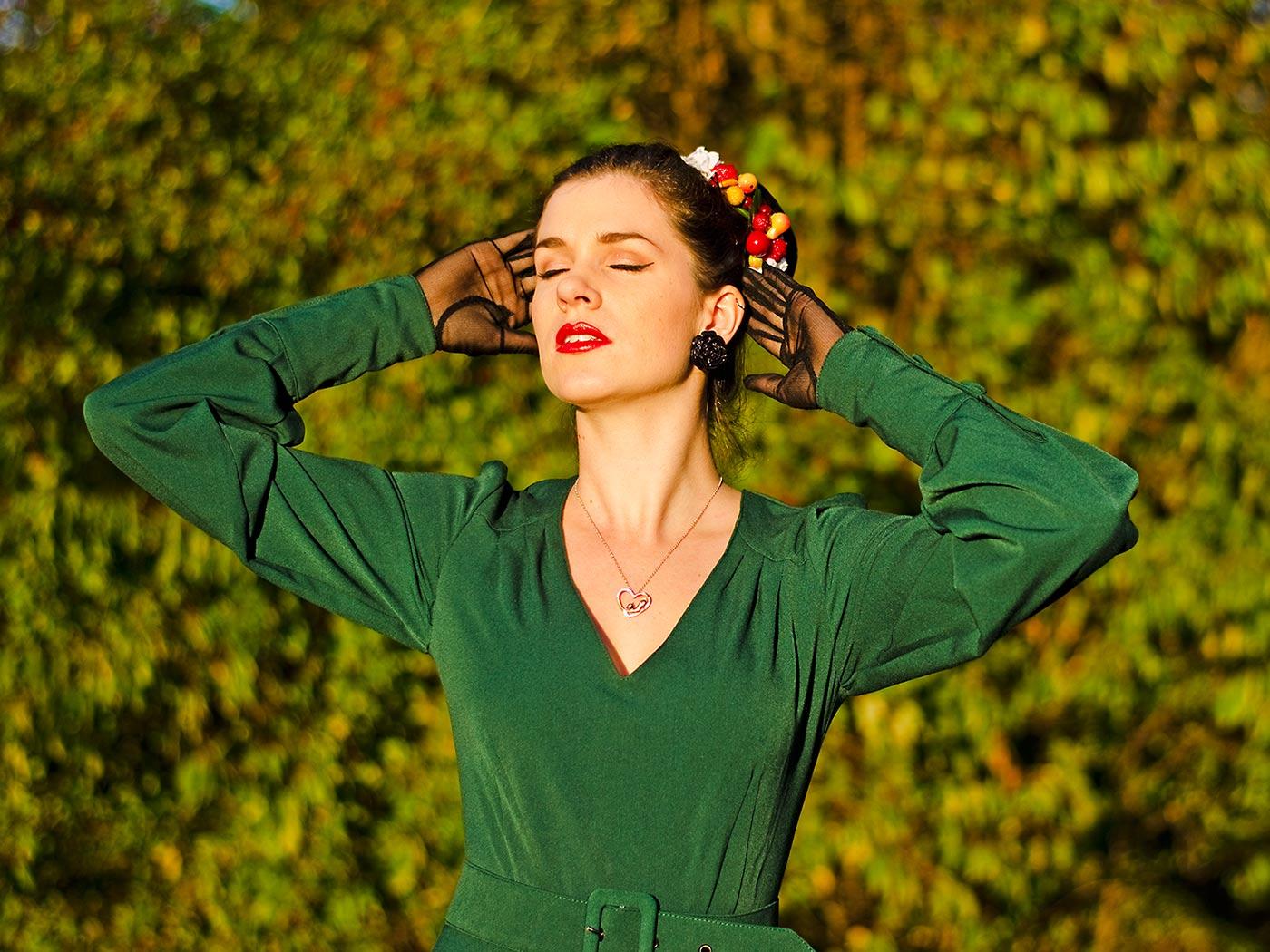 RetroCat mit dem veganen Eyeliner von Jane Iredale