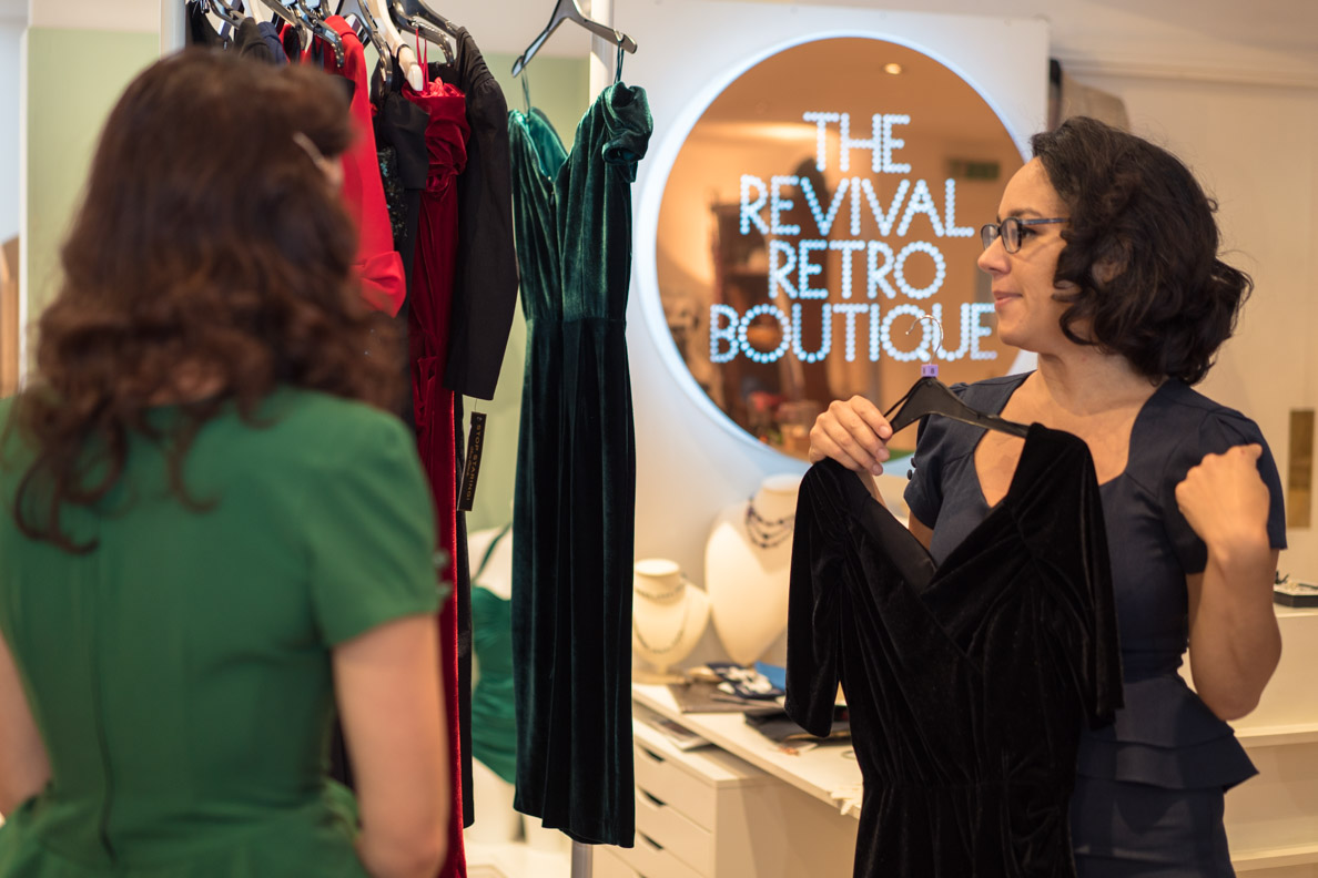 RetroCat bewundert die Herbstmode bei Revival Retro in London