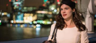 """In den Straßen von London im eleganten Retro-Kleid """"Grace"""" von BlackButterfly"""