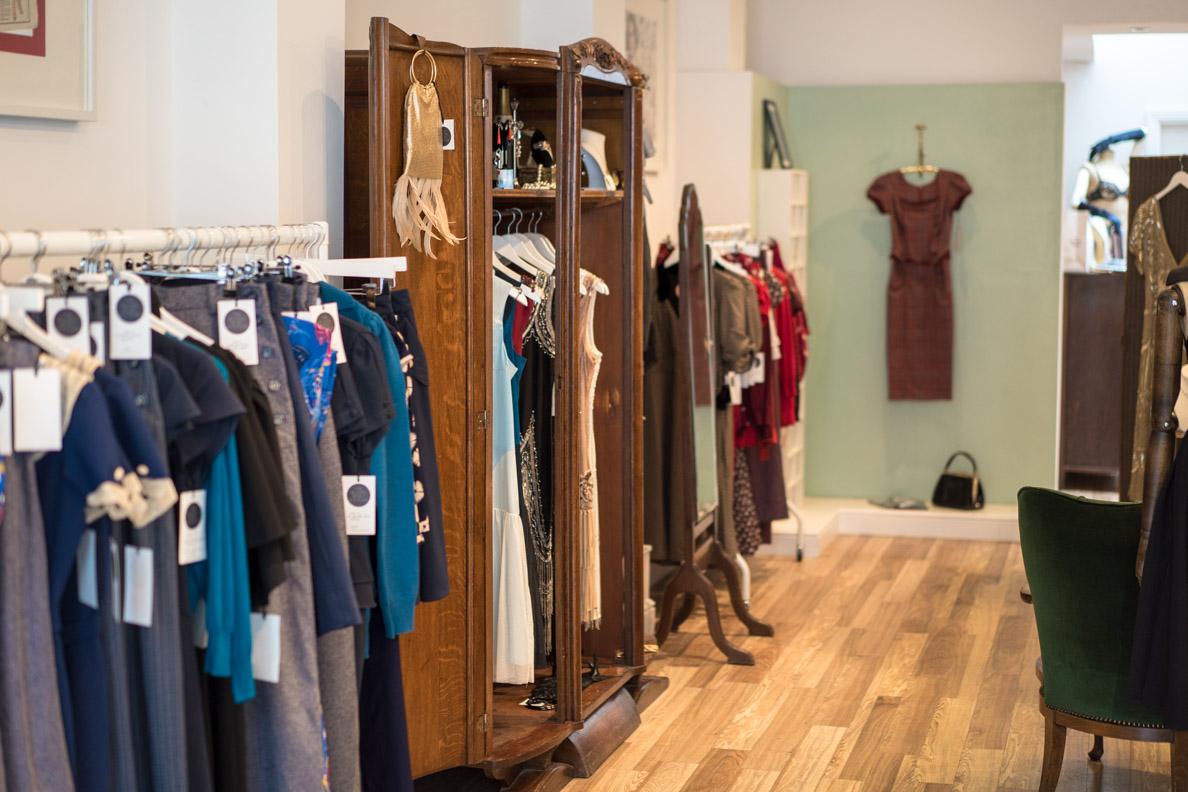 Wunderschöne Kleider im Vintage-Stil bei Revival Retro in London