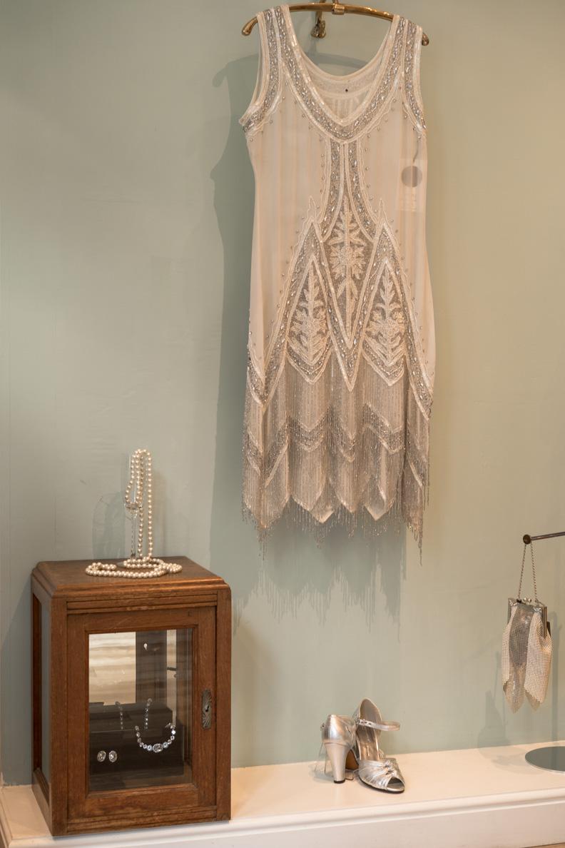 Ein von den 20ern inspiriertes Kleid bei Revival Retro in London