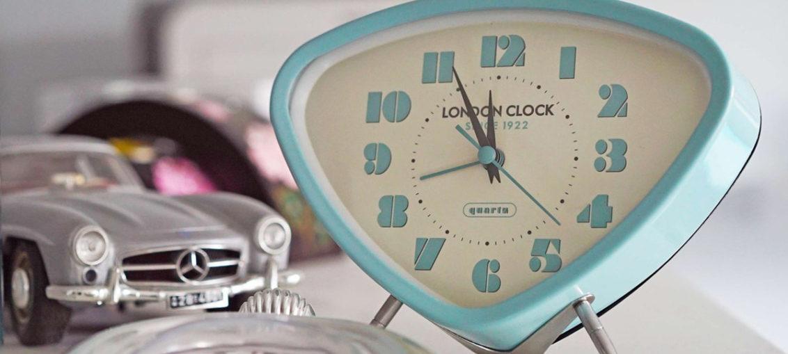 Von Retro-Weckern und Keksdosen: 10 Zauberhafte Dekoartikel im Vintage-Stil