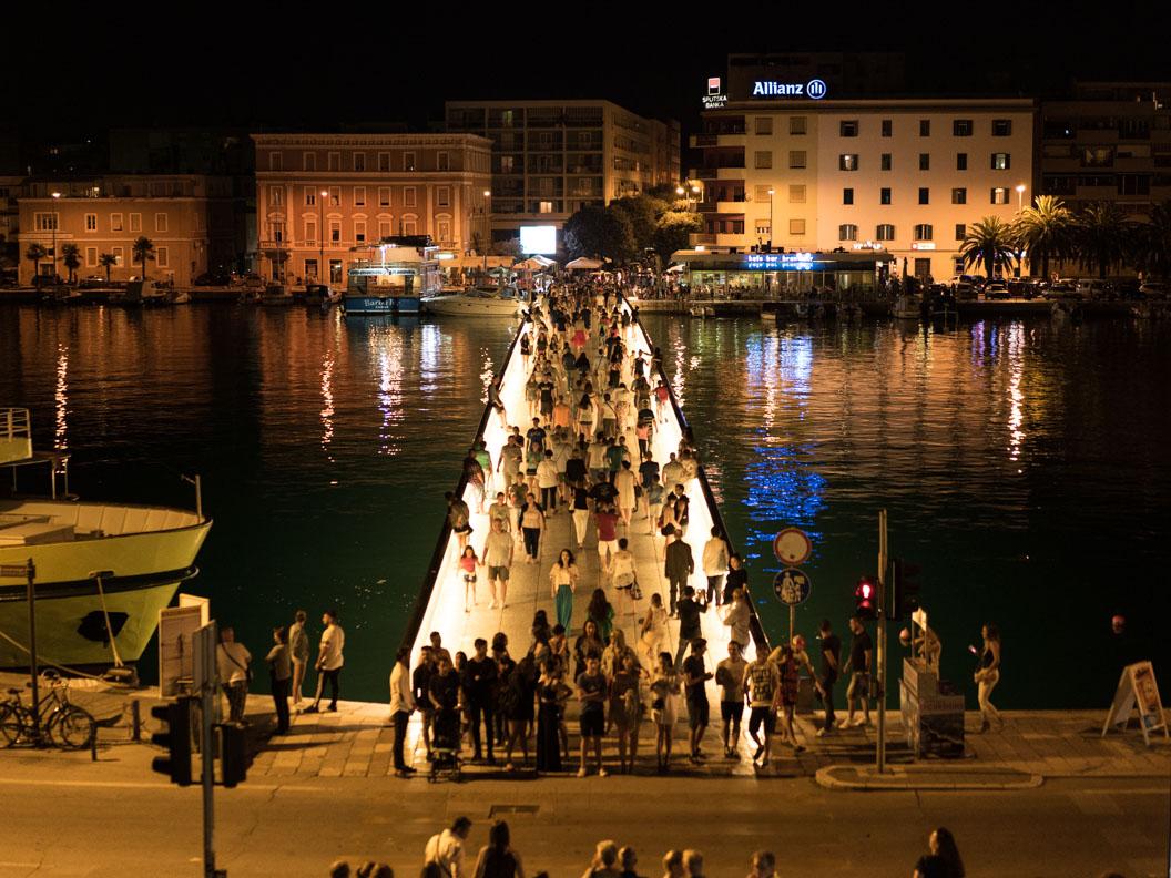 Die Fußgängerbrücke zur Altstadt von Zadar