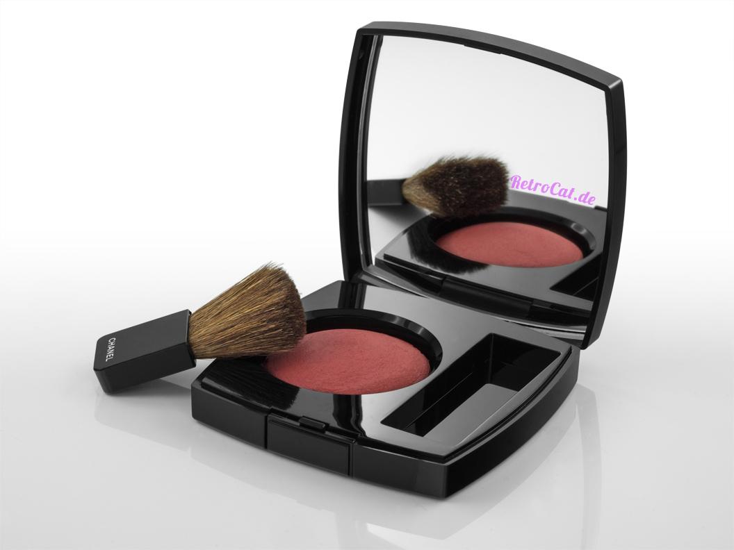 """Das Joues Contraste Powder Blush in """"Rouge Profond"""" von Chanel"""