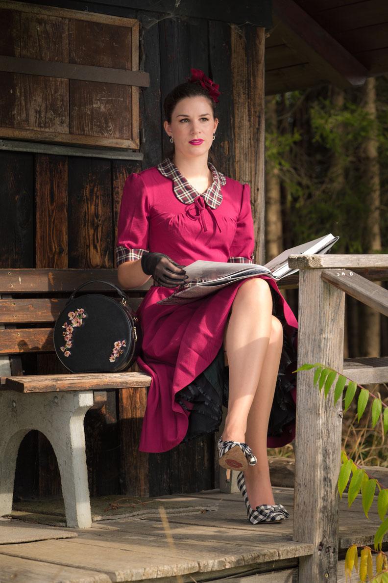 RetroCat in einem Kleid designt von Miss Victory Violet für Miss Candyfloss