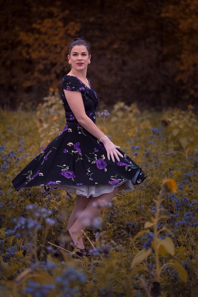 RetroCat mit einem Kleid von BlackButterfly und Vintage-Petticoat
