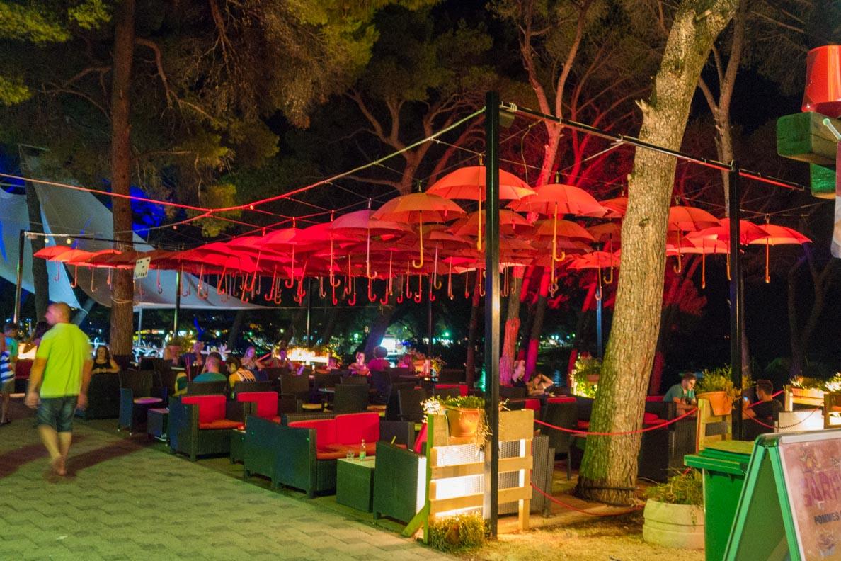 Eine von unzähligen Bars in Biograd/Kroatien