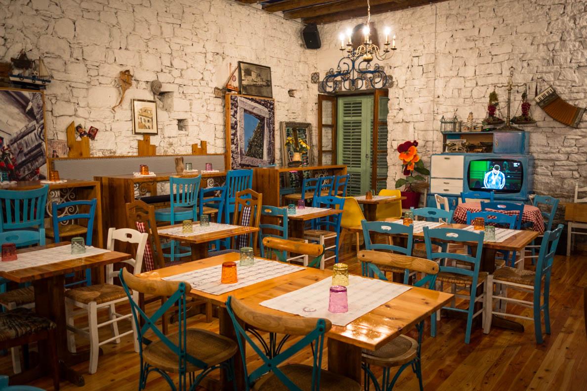 """Die Inneneinrichtung des Restaurants """"Europa"""" in Biograd"""