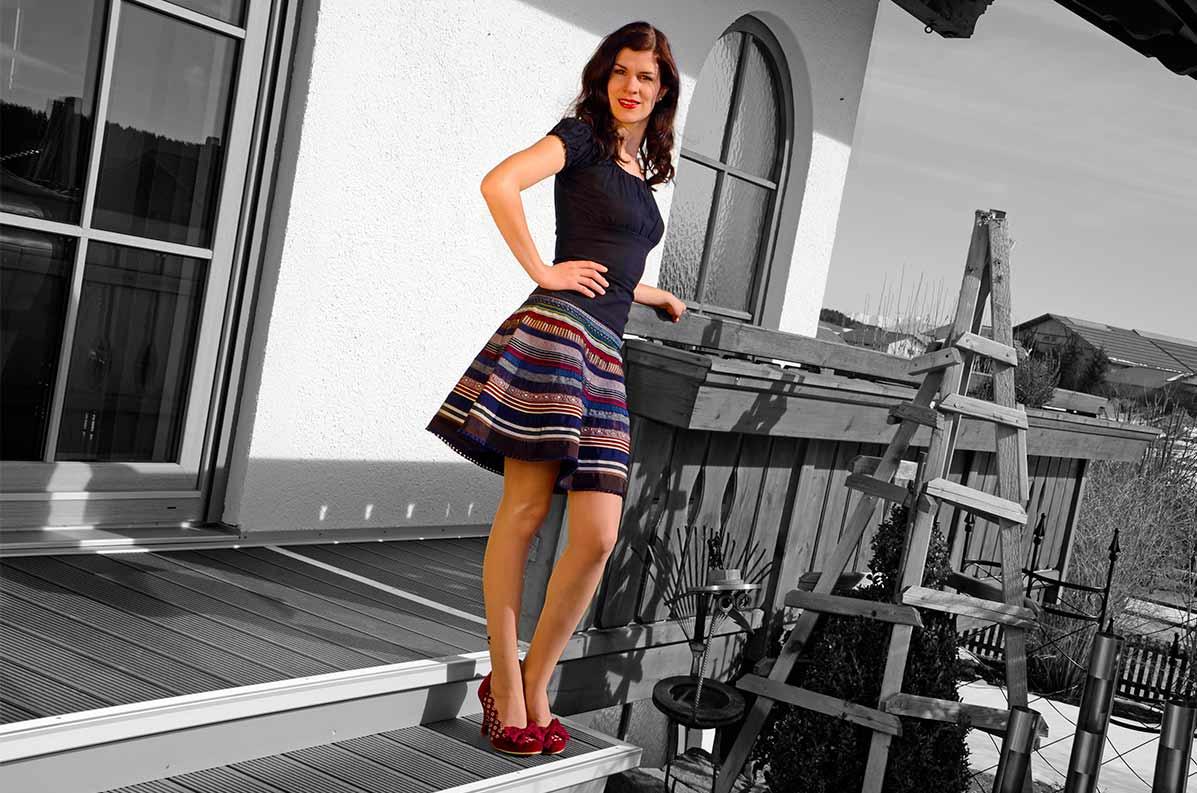 RetroCat in einem Sommer-Outfit mit dem Lena Hoschek Ribbon Skirt