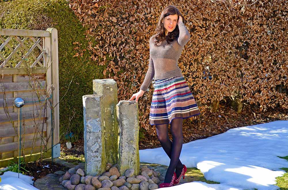 RetroCat in einem Winter-Outfit von Lena Hoschek