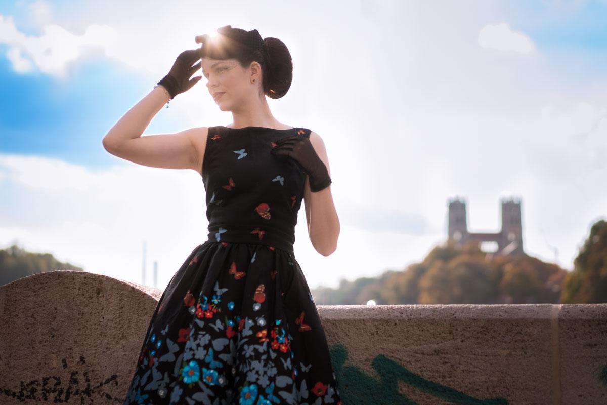 Tourist in der eigenen Stadt im Tea Dress von Lady V London