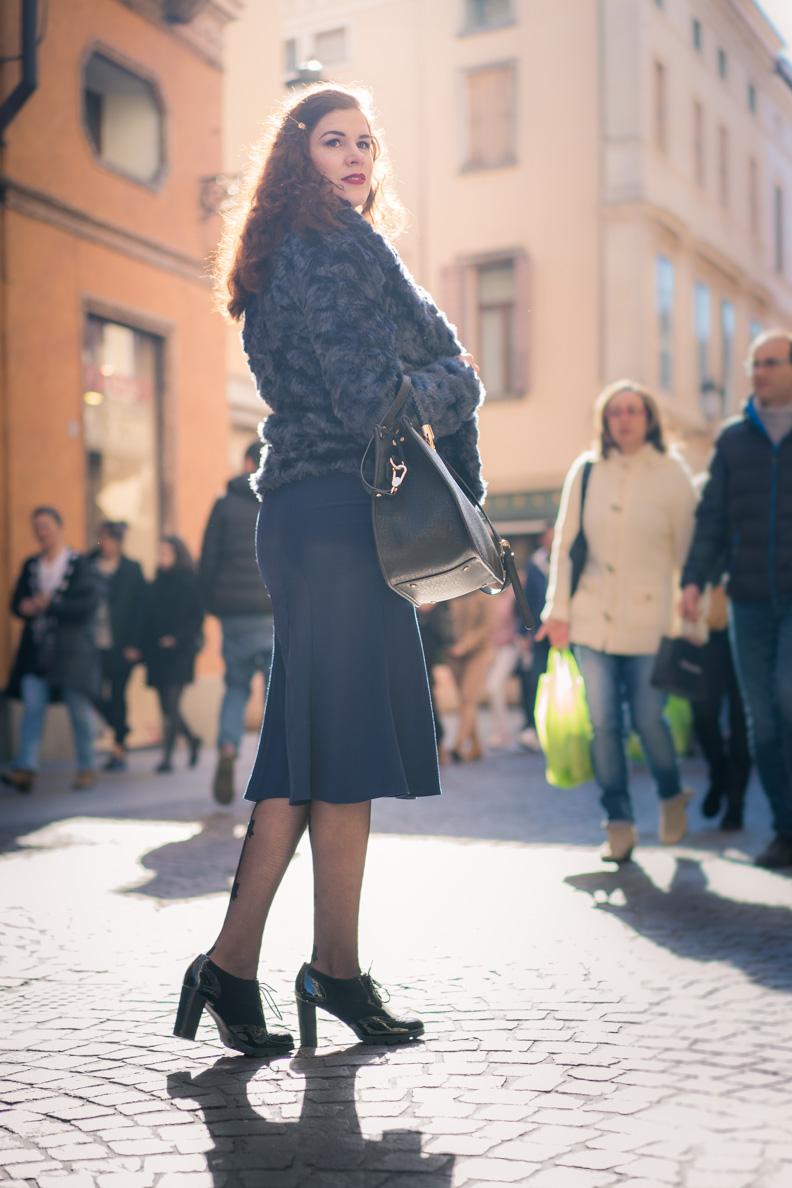 RetroCat mit einer blauen Jacke unterwegs in Padua/Italien