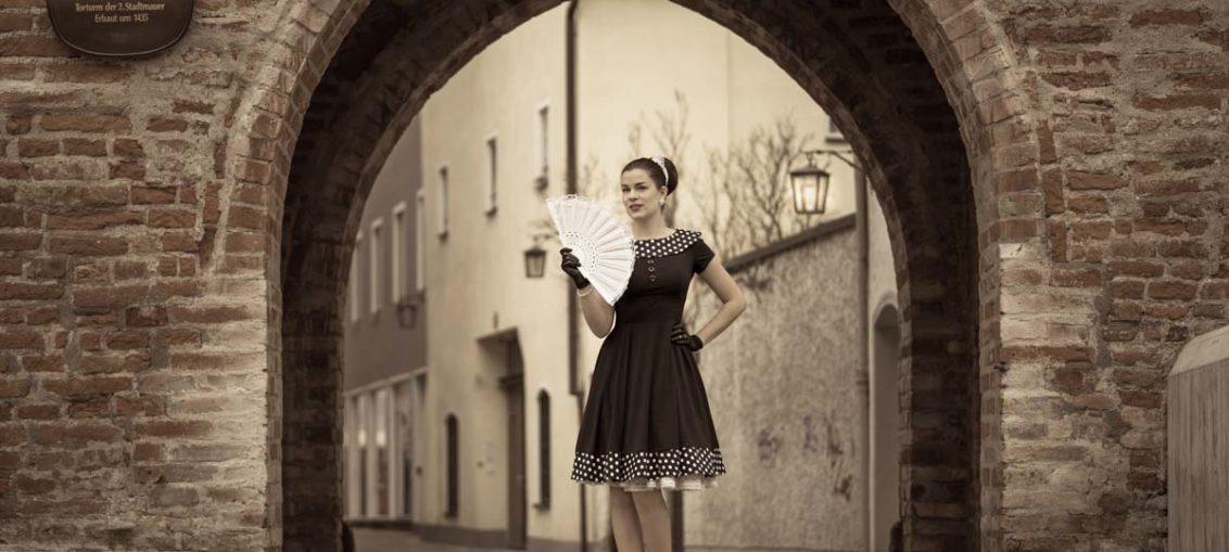 """Klassisch elegant durch die Vorweihnachtszeit mit """"Rhianna"""" von BlackButterfly"""