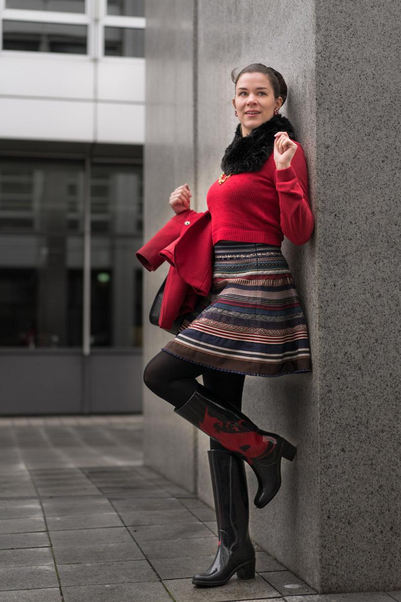 RetroCat mit dem Ribbon Skirt von Lena Hoschek und Gummistiefeln