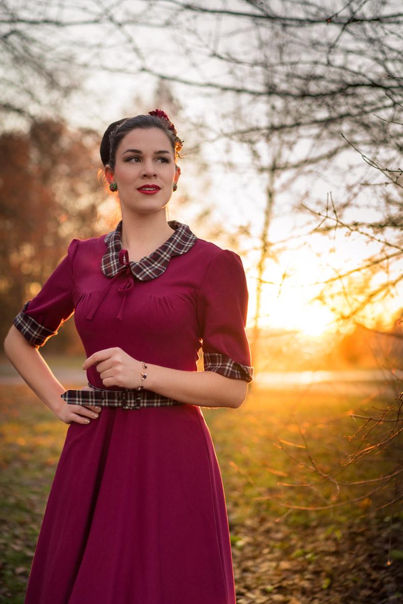 RetroCat in einem 40er-Jahre-Kleid von Miss Victory Violet für Miss Candyfloss