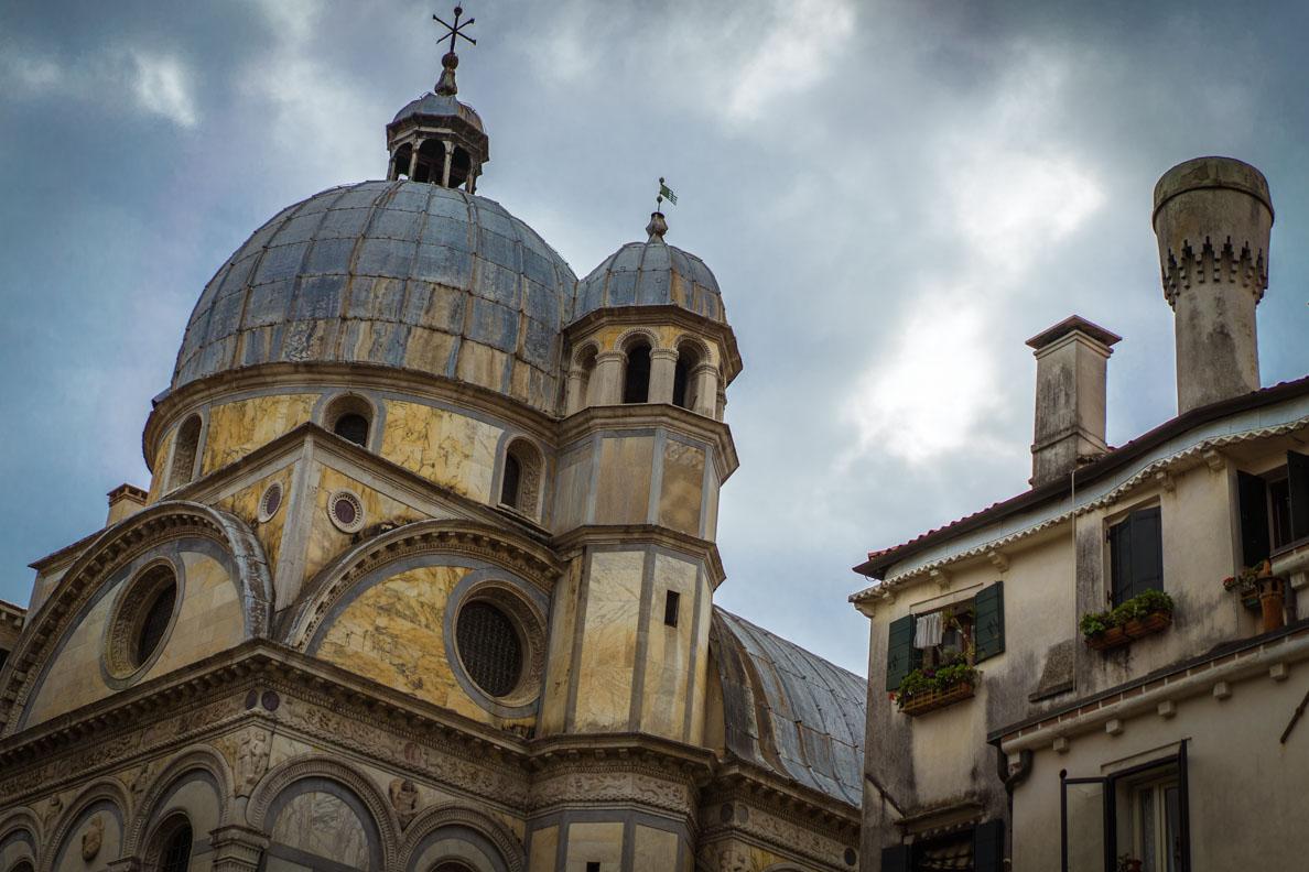 Eine der 90 Kirchen Venedigs
