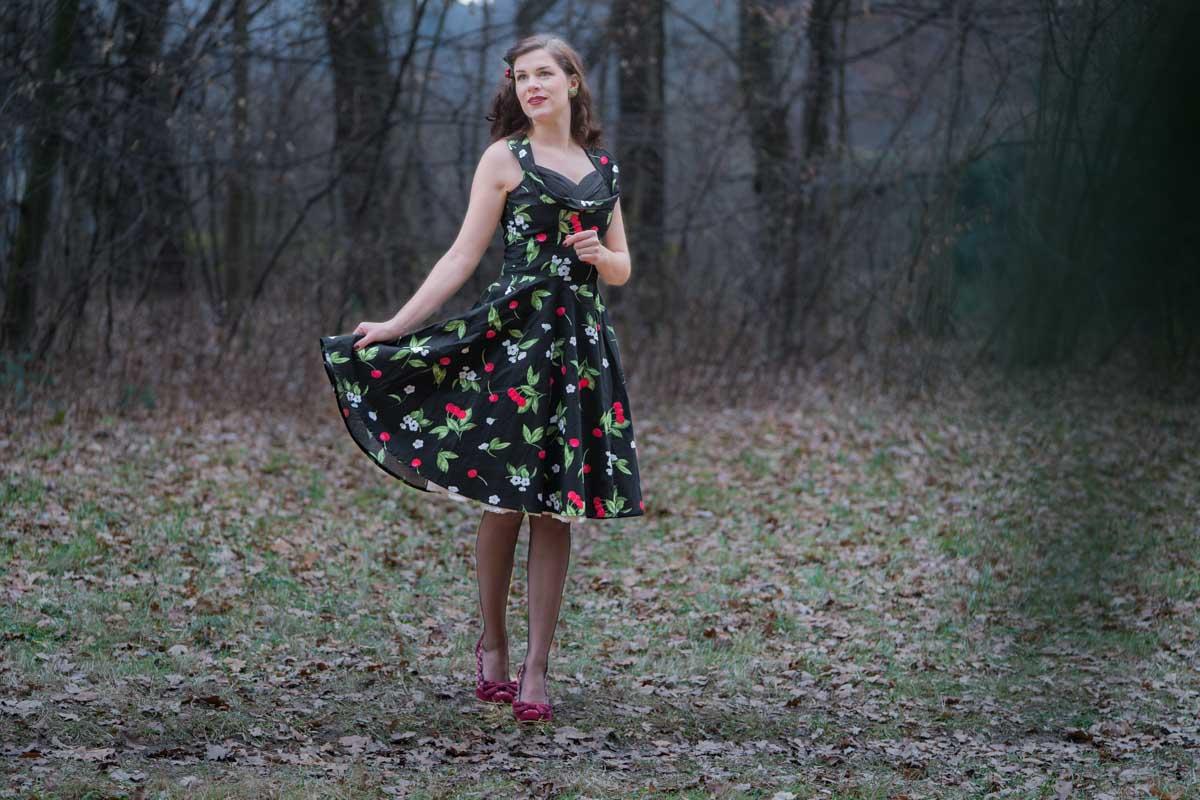 """Ein weihnachtliches Retro-Outfit mit """"Aura"""" von BlackButterfly"""