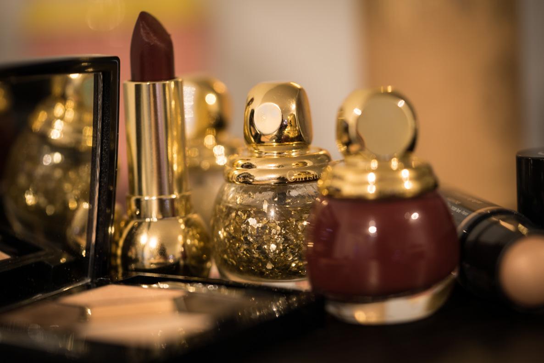 Weihnachtliche Beauty-Produkt für ein glamouröses Make-up